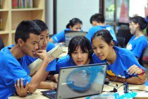 ในโครงการ Samsung Smart Learning Center เด็กมีโอกาสทำงานเป็นทีม รู้จักปรับตัวและมีทักษะสังคม