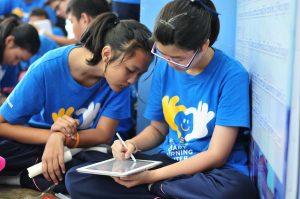 เด็ก ๆ ได้พัฒนาทักษะการใช้อุปกรณ์ ICT ในการเรียนรู้ด้วยตนเอง